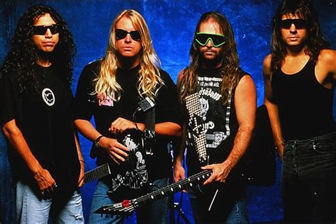 26 Years Ago: Slayer Release 'Seasons in the Abyss'