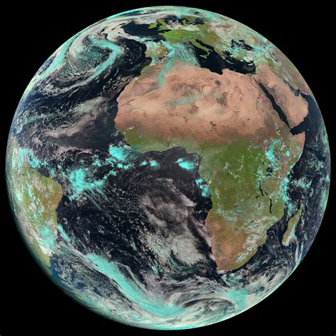 Space in Images - 2015 - 04 - Earth seen by Meteosat