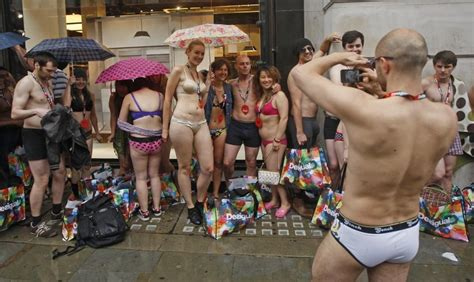 Half-naked shoppers flock to Desigual's for free clothes
