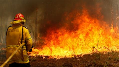 Australian state declares emergency due to wildfires - ABC