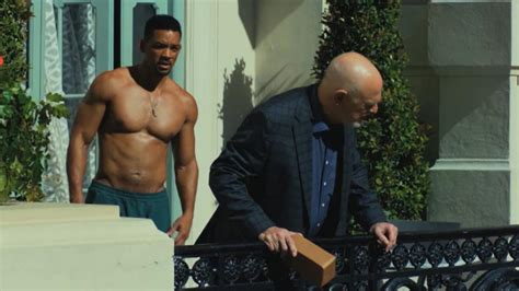 Will Smith Is A Shirtless Con Man in 'Focus