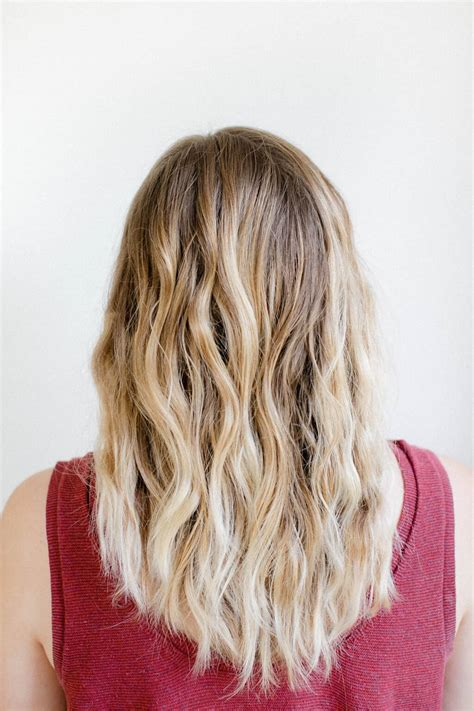 How to Get Effortless Beachy Waves Overnight | Hello Glow