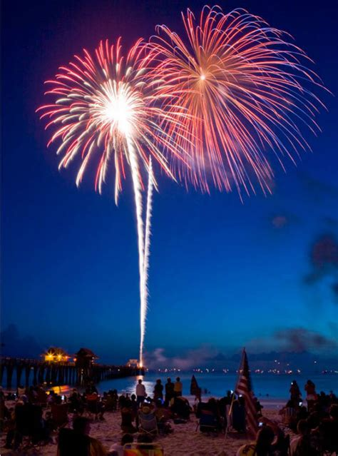 Naples FL - NEW YEAR'S EVE FIREWORKS - Naples Florida Real