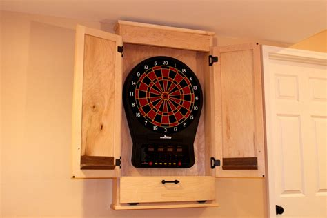 Build a Simple Dartboard Cabinet | WoodWorkers Guild of