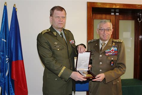 Italian Chief of Defence in co-operation talks in Prague