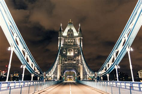 Incredible photos capture London's empty streets without a